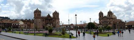 900px-Plaza_de_Armas_de_Cuzco_cathedrals